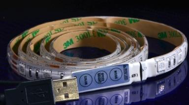 こちらはUSB給電仕様のフルカラーLEDテープです。 点滅・変色をコントロール可能です。